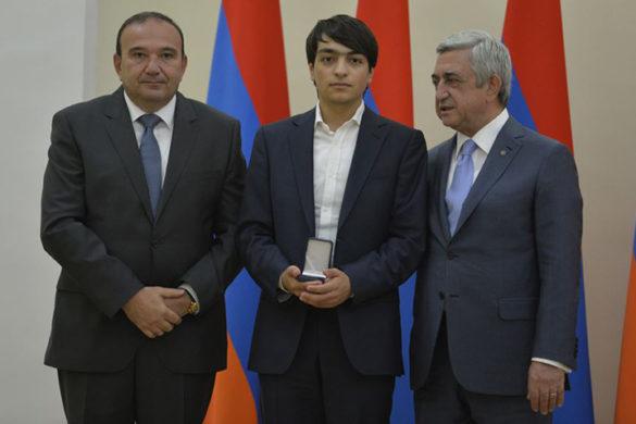sarkisian-student-award