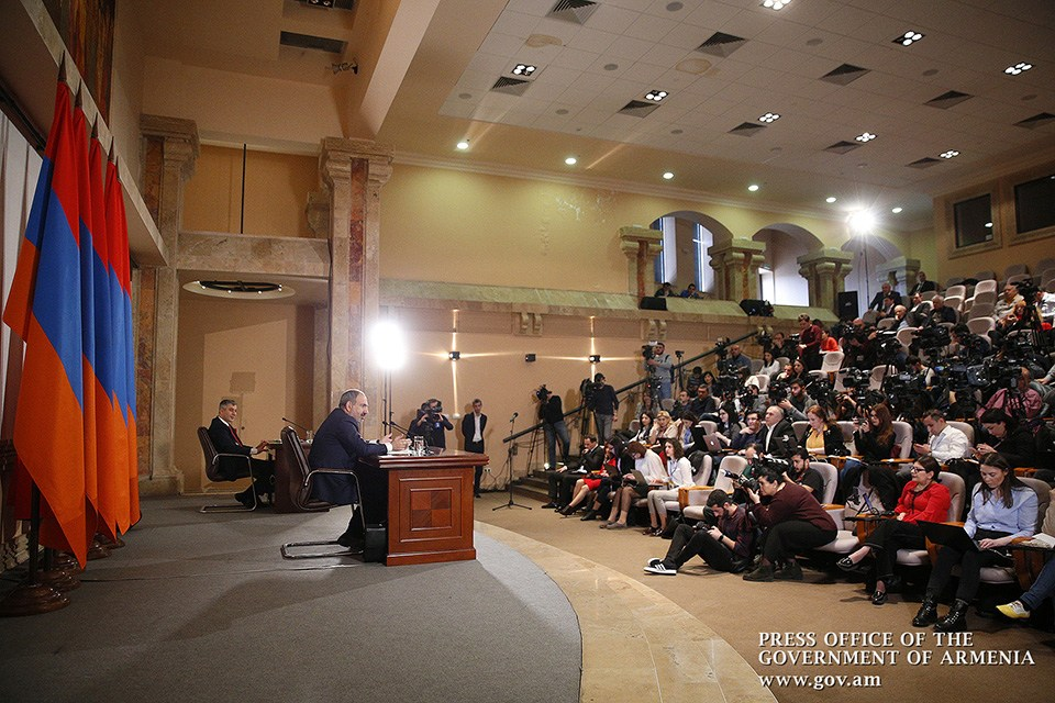 pashinyan-press-2