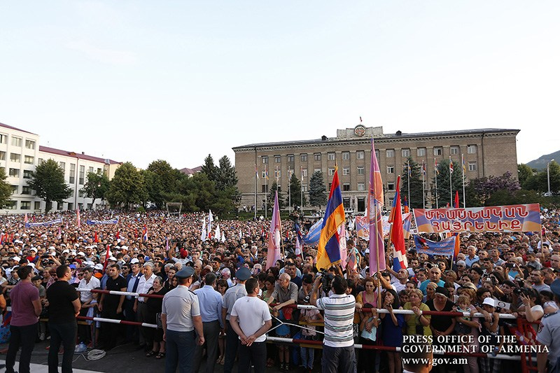pashinyan-stepanakert-2