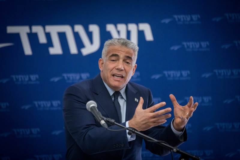 Yesh Atid party leader Yair Lapid leads a Yesh Atid faction meeting at the Knesset, the Israeli parliament on November 20, 2017. Photo by Yonatan Sindel/Flash90 *** Local Caption *** יש עתיד יאיר לפיד כנסת