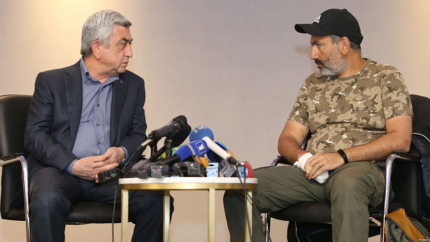 Negotiations between the leader of '#merjirserjin' initiative, Armenian MP Nikol Pashinyan and RA Prime Minister Serzh Sargsyan have started at the Armenia Marriott Hotel of Yerevan, Armenia