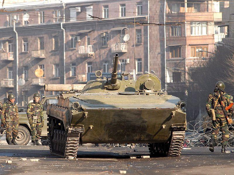 Army-Tank-Yerevan