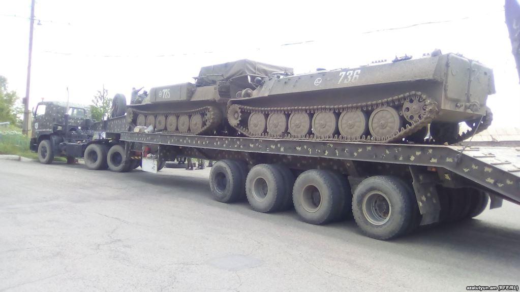 Russian-Tanks-Panik