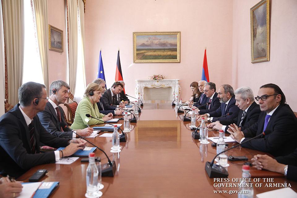 merkel-armenia-6