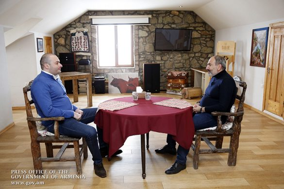 Bakhtadze-pashinyan