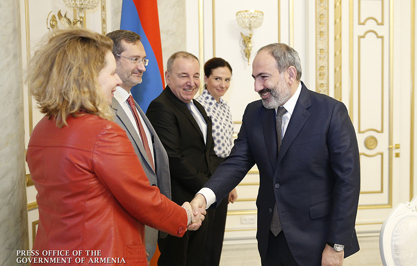 pashinyan-PACE-Monitors