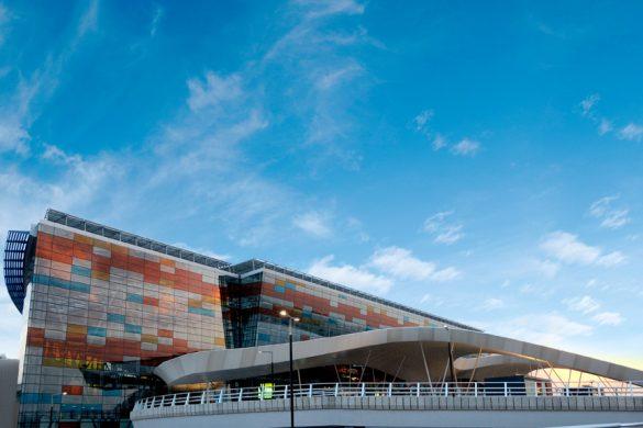 Zvartnots_airport