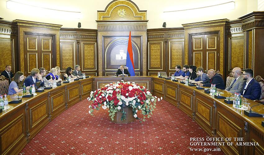 pashinyan-russian-media-2