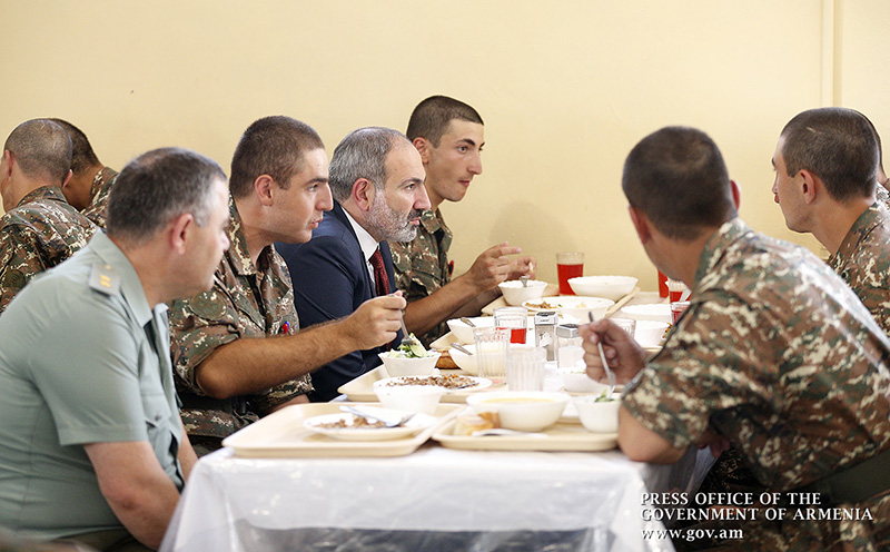 pashinyan-army-food