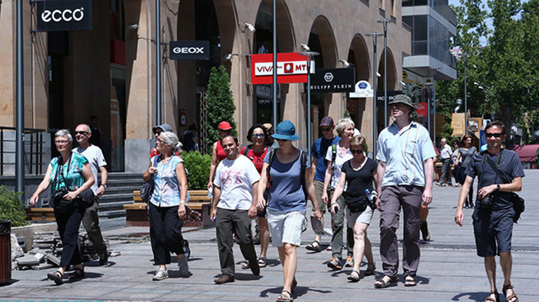 tourist-armenia-2