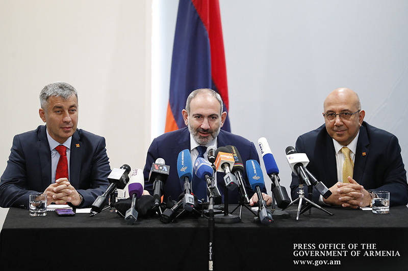 pashinyan-pc