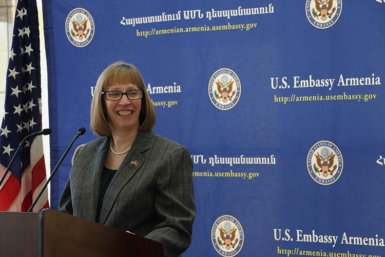 US Ambassador Lynne Tracy