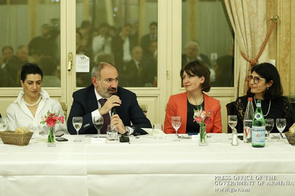 pashinyan-paris-2