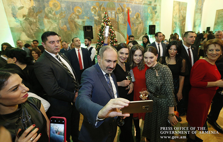 pashinyan-media-2