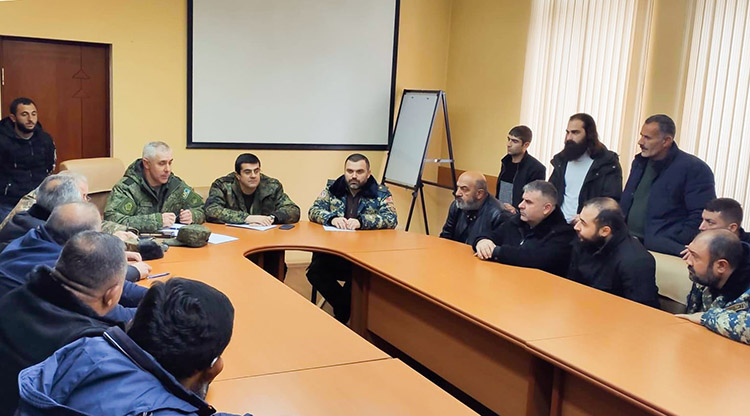 arayik-soldiers-families