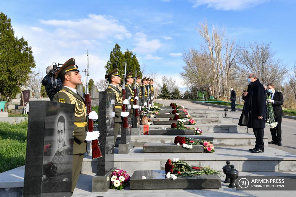 Yeraplur-April-War-Martyrs-2