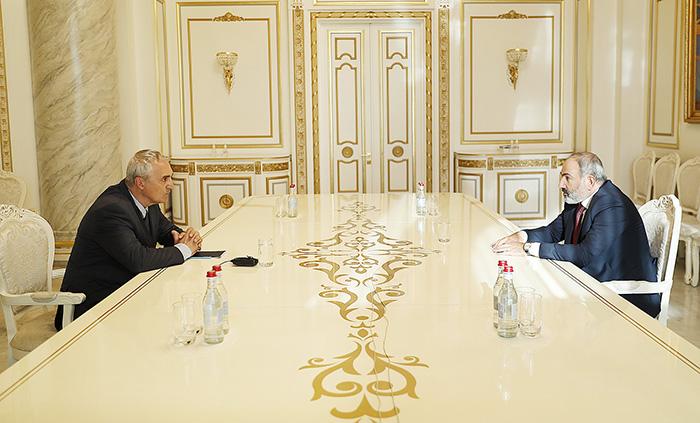 khzmalyan-pashinyan