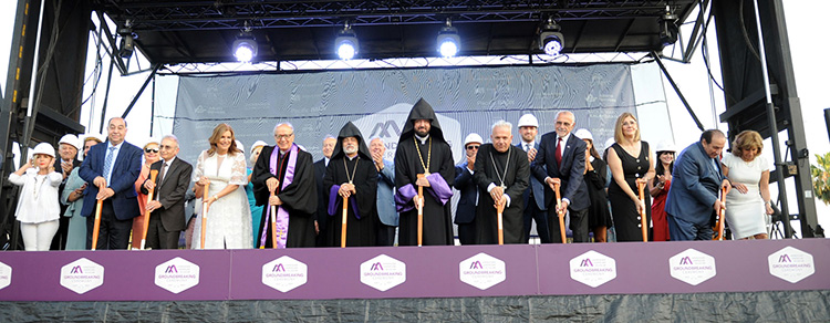 Web-Armenian-American-Museum-Board-of-Trustees-and-Board-of-Governors-at-Shovel-Ceremony