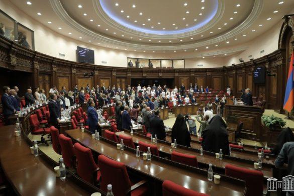 parliament-08-02-a