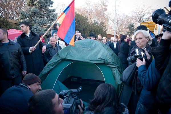 raffi-hovannisian-tent-liberty-square