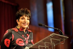 Liza Minnelli introduces the evening's honoree. (photo credit: Kyle Gustafson)