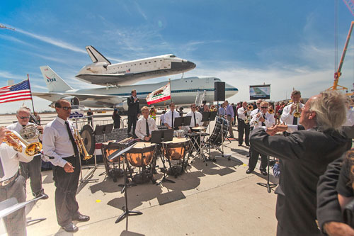 Aram Gharabekian (far right) conducting the Open Music Fest Orchestra. Photo by Raffi Hadidian.