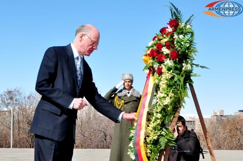 Norbert Lammert genocide memorial