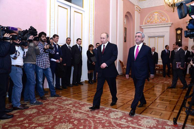 Putin-Sargsyan01