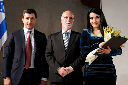 Israeli Ambassador to Armenia   Shmuel Mayrom with Haroutyoun Khachatryan's granddaughter