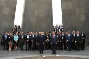 Hollande-Tsitsernakaberd-5
