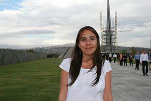 Valeria Thus