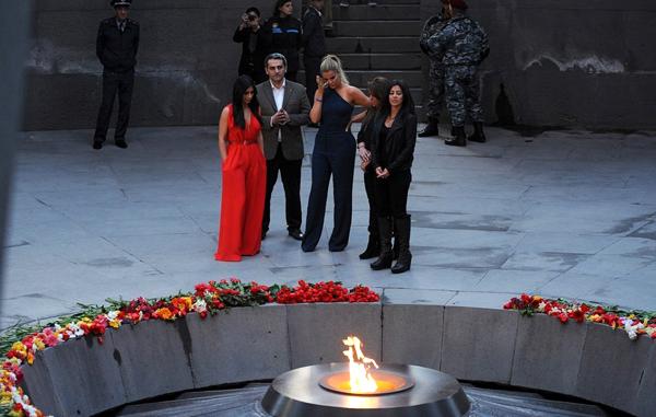 Kardashians-Memorial2