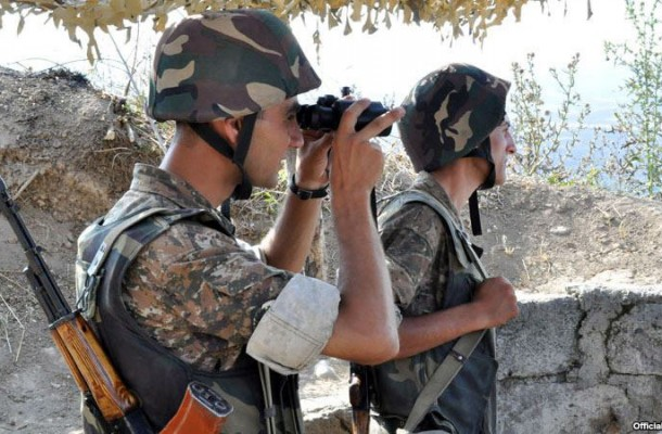 armeniansoldiersonborderpost-610x400