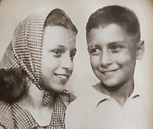 Anonymous donor with his sister Siona