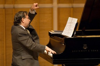 """??AHAN ARZRUNI on piano presenting the """"Music of Armenia: Then and Now"""" at Merkin Concert Hall, New York City, Sunday, 09-17-2006. CREDIT: Photograph ?? 2006 Jack Vartoogian/FrontRowPhotos. ALL RIGHTS RESERVED."""