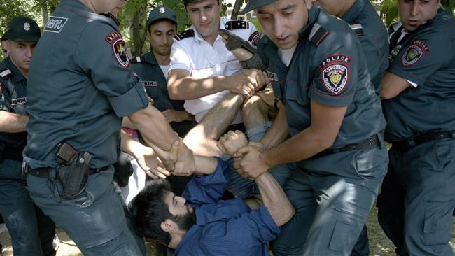 Police-Protester-2